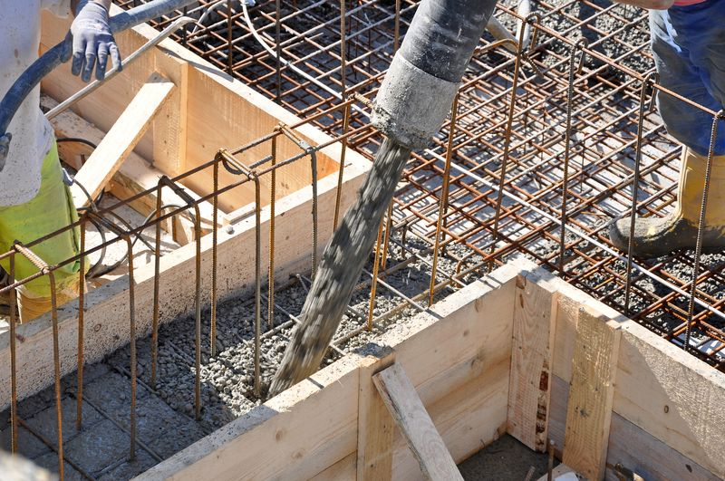 Le b ton autonivelant et autolissant for Fabriquer sa piscine en beton