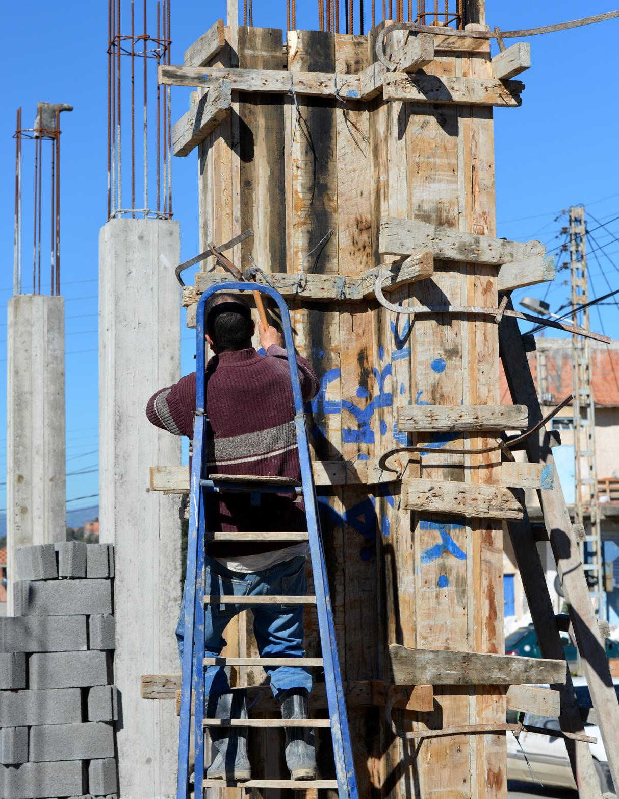 100 comment coffrer plomber couler un les fondations projet constructi - Comment couler un poteau en beton ...